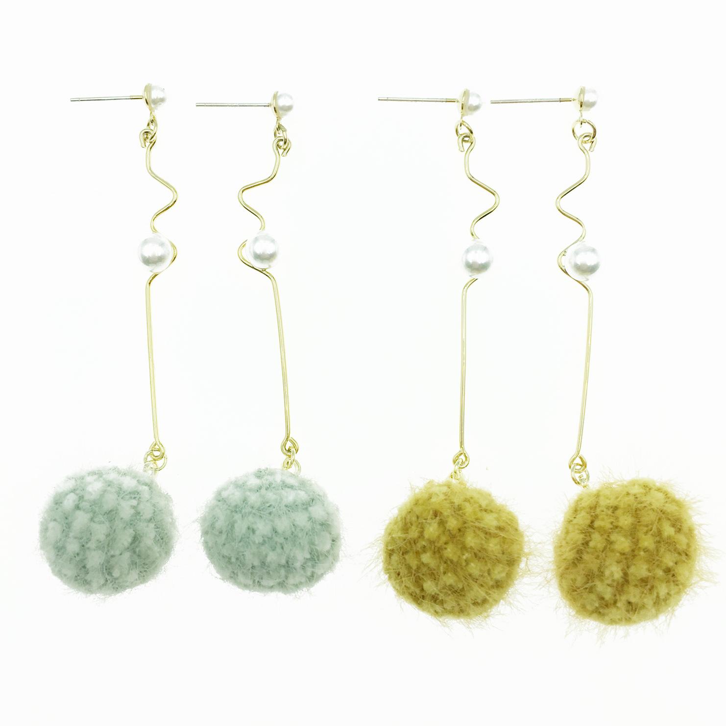 韓國 925純銀 毛球 珍珠 金波動曲線 2色 垂墜感 耳針式耳環