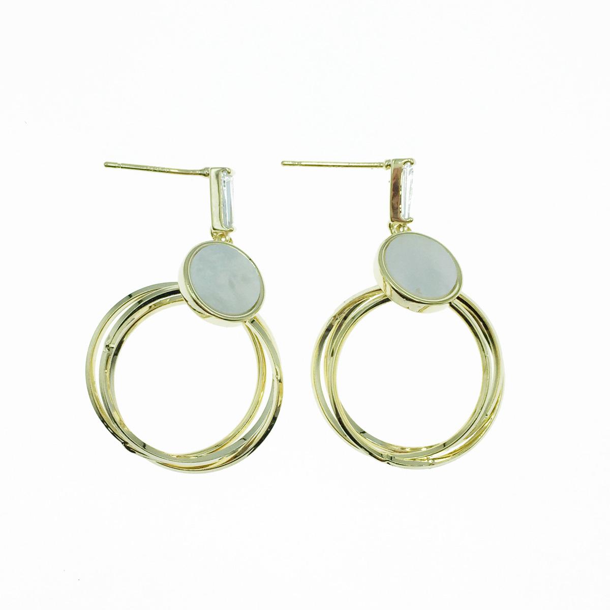 韓國 925純銀 簍空圓 水鑽 貝殼珠 垂墜感 耳針式耳環
