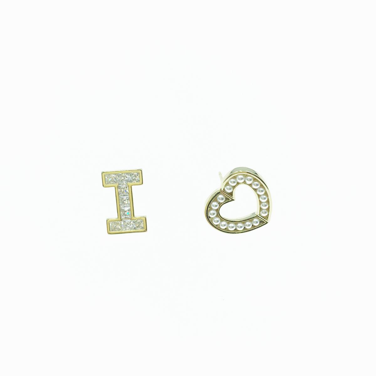 韓國 925純銀 珍珠 愛心 英文字母I 水鑽 金色 不對稱 簡約 可愛 耳針式 耳環