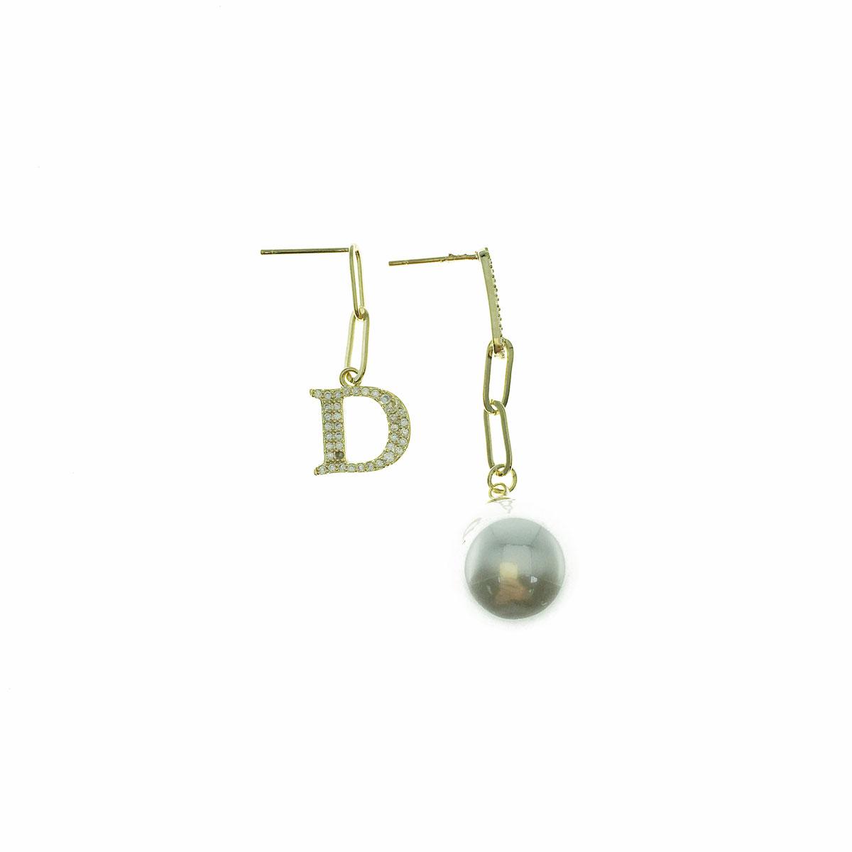 韓國 925純銀 水鑽 珍珠 D字 不對稱 垂墜感 耳針式 耳環