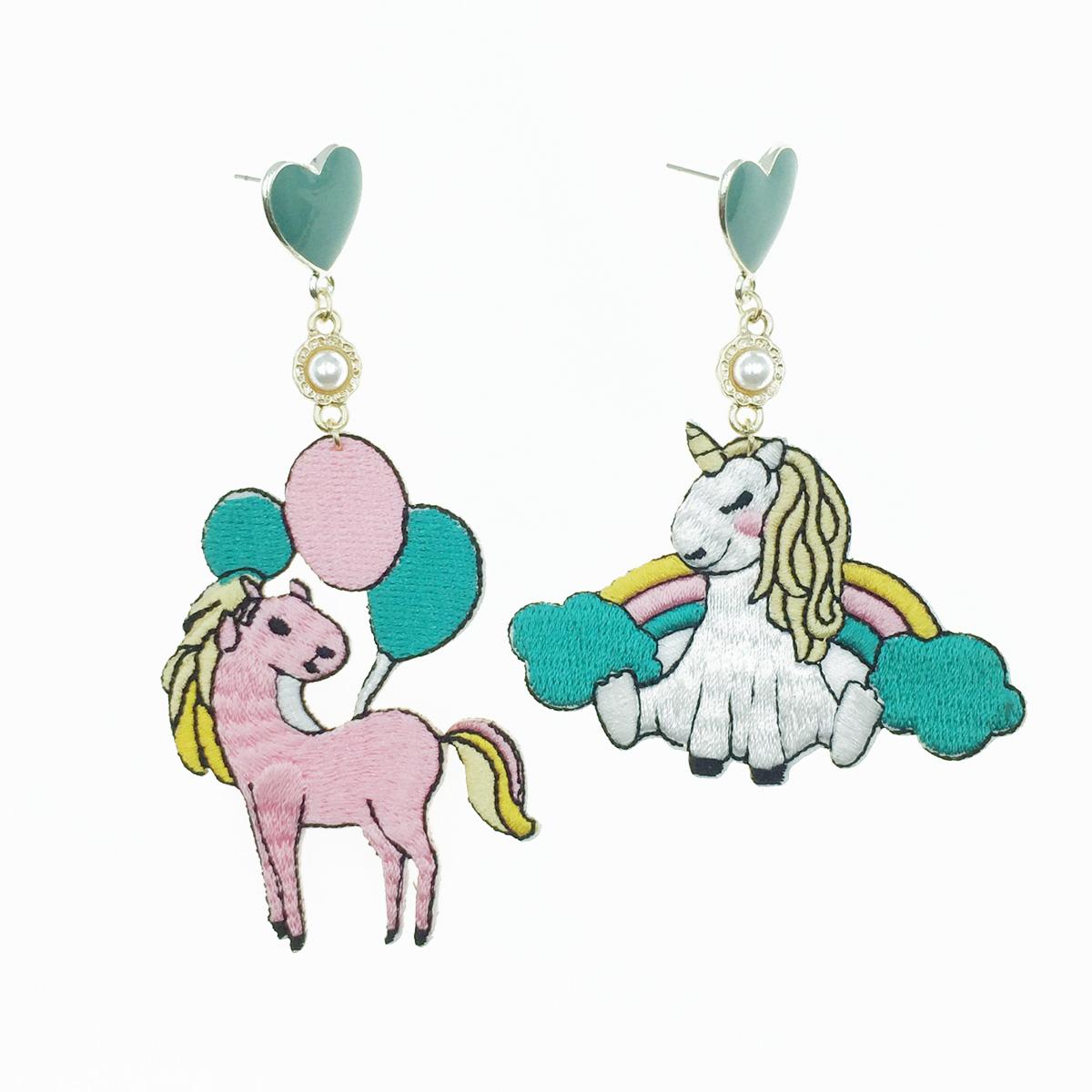 韓國 飛馬 氣球 燙布貼 愛心珍珠 不對稱 垂墜感 耳針式耳環
