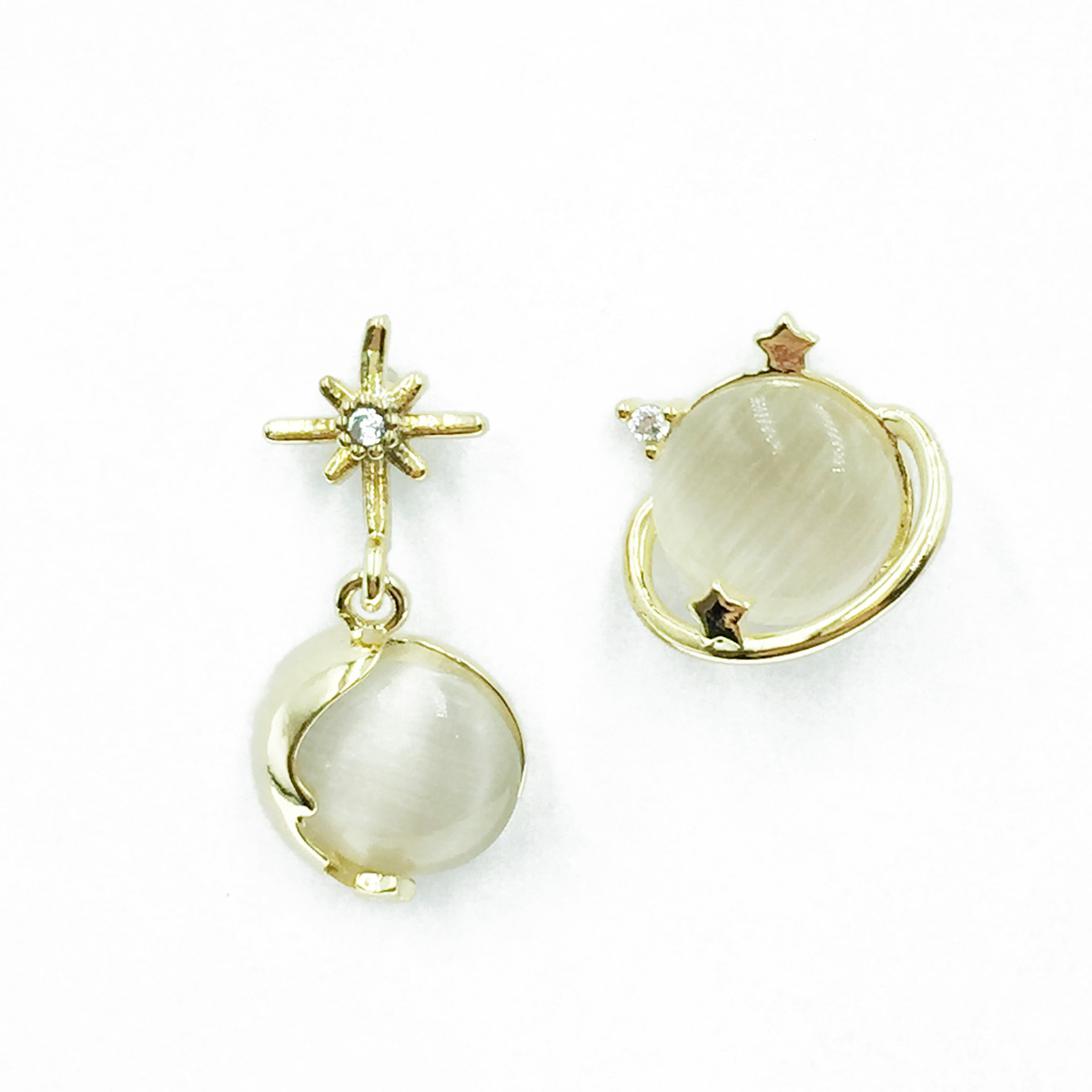 韓國 925純銀 不對稱 星球 星星 水鑽 耳針式耳環