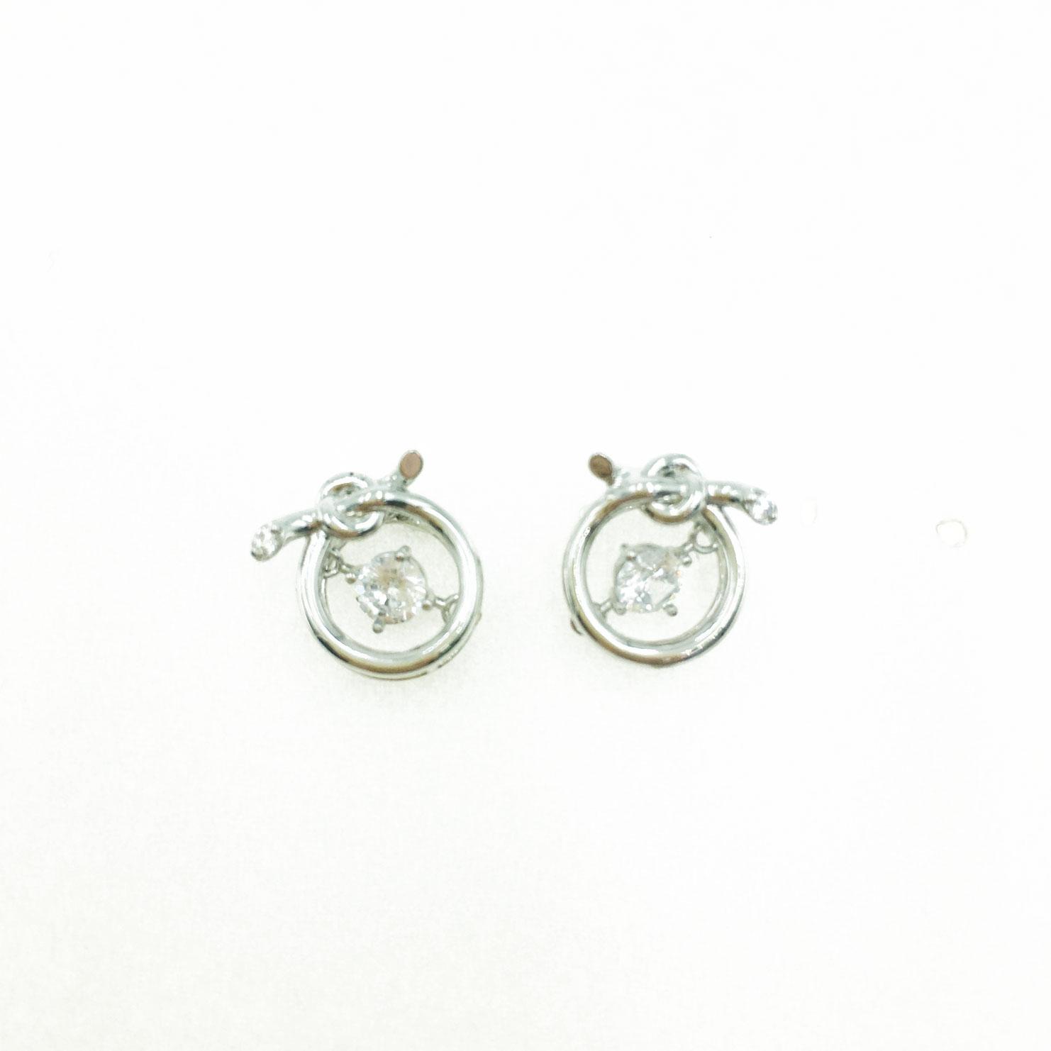 韓國 925純銀 圓 造型結 水鑽 銀色 明星款飾品 耳針式耳環