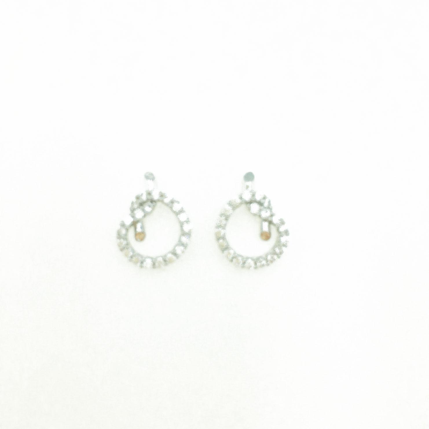 韓國 925純銀 簍空 水鑽 造型結 銀色 明星款飾品 耳針式耳環
