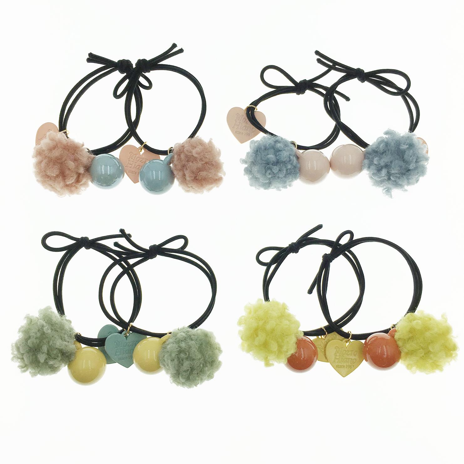 韓國 毛球 立體球 愛心吊牌 英文刻字 兩入組 髮飾 髮圈 髮束