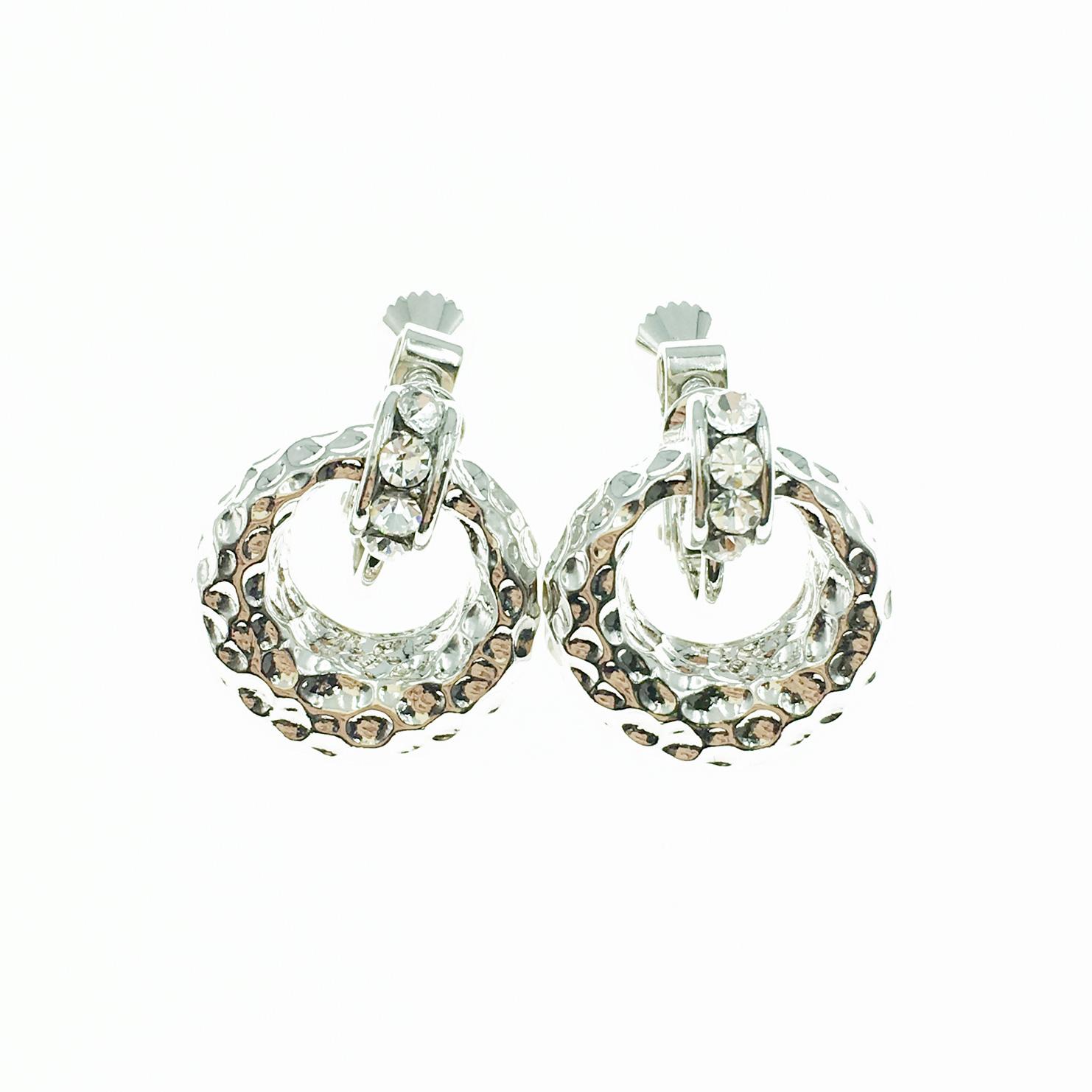 韓國 簍空圓 凹凸金屬面 水鑽 銀 夾式耳環