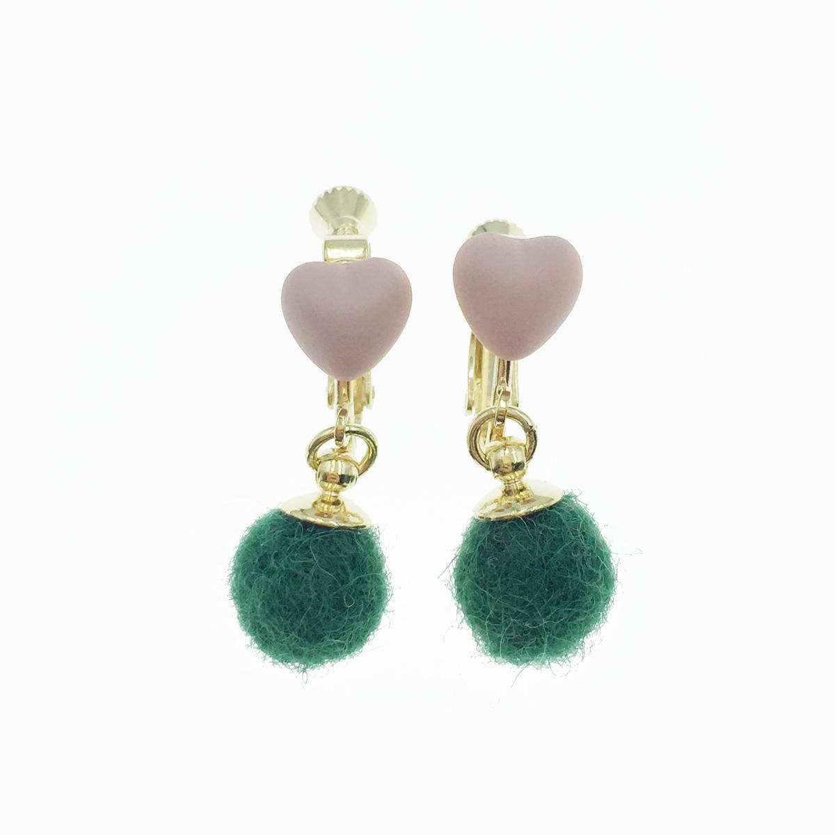 韓國 愛心 綠毛球 可愛甜美風 夾式耳環