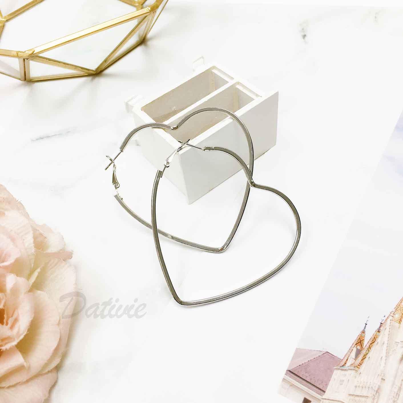 愛心造型 簍空大愛心 銀 簡約金屬風 耳針式耳環