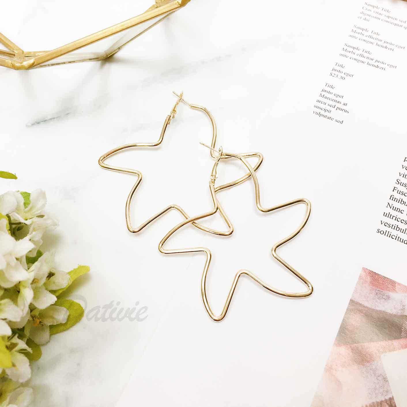 簍空大星星 金色 歐美金屬簡約風 耳針式耳環