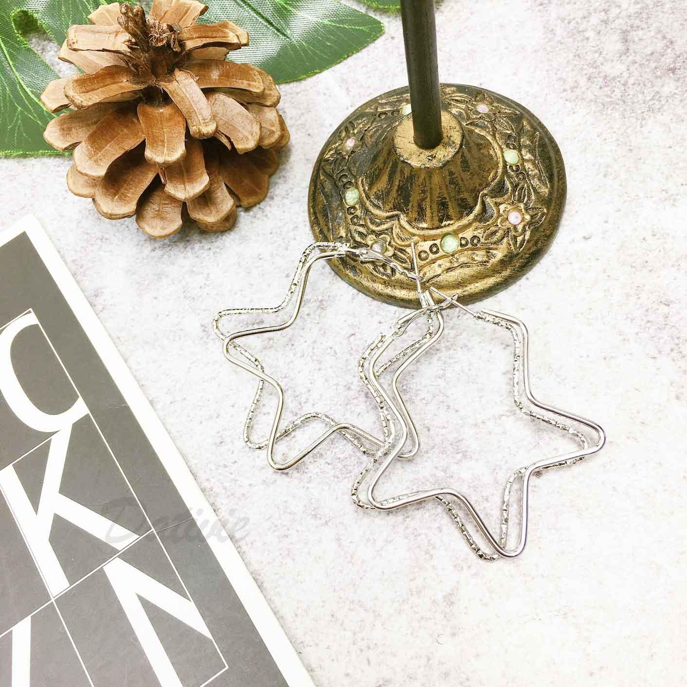 簍空星星造型 金屬簡約風 耳針式耳環