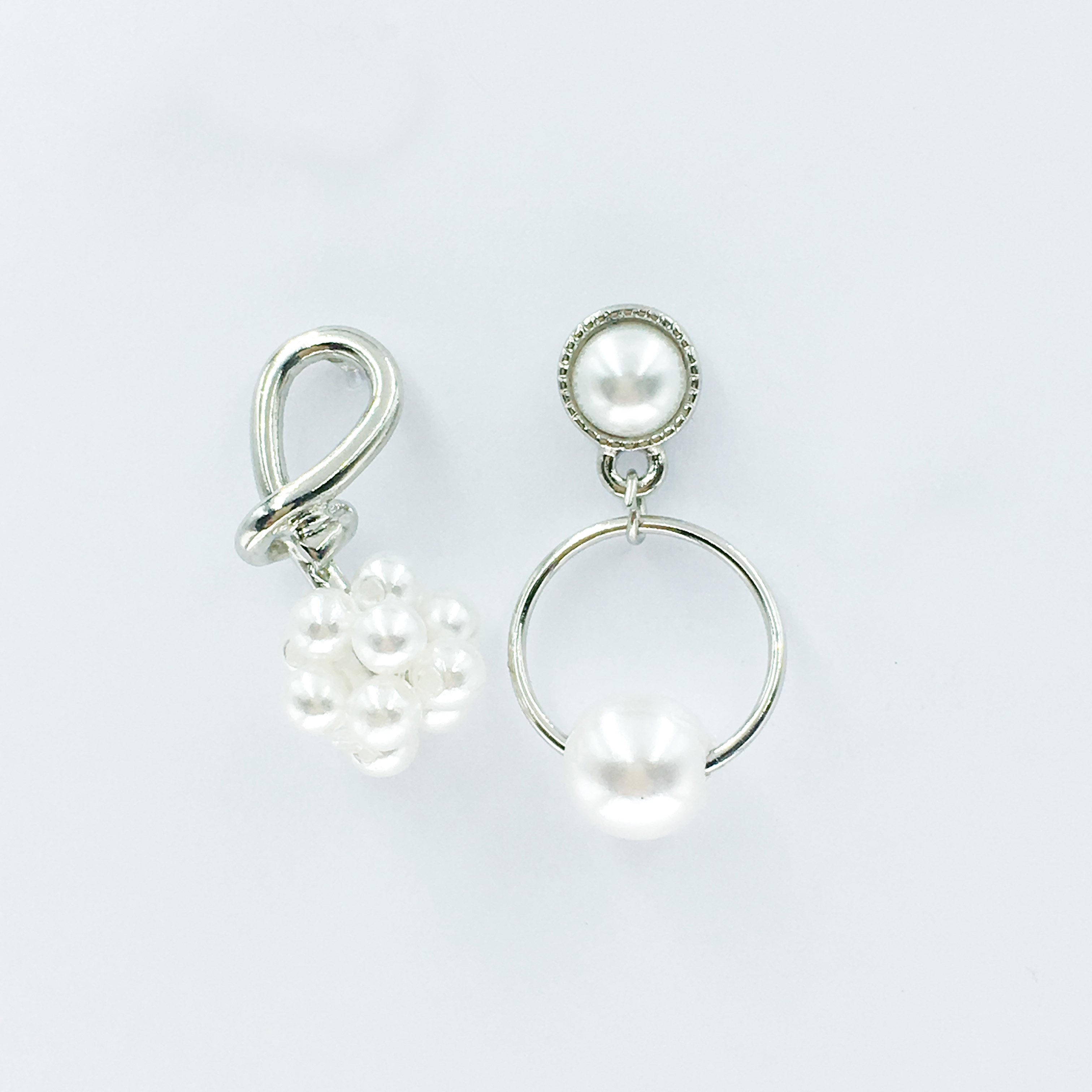 韓國 珍珠 圓弧 不對稱 立體 垂墜感 耳針式耳環