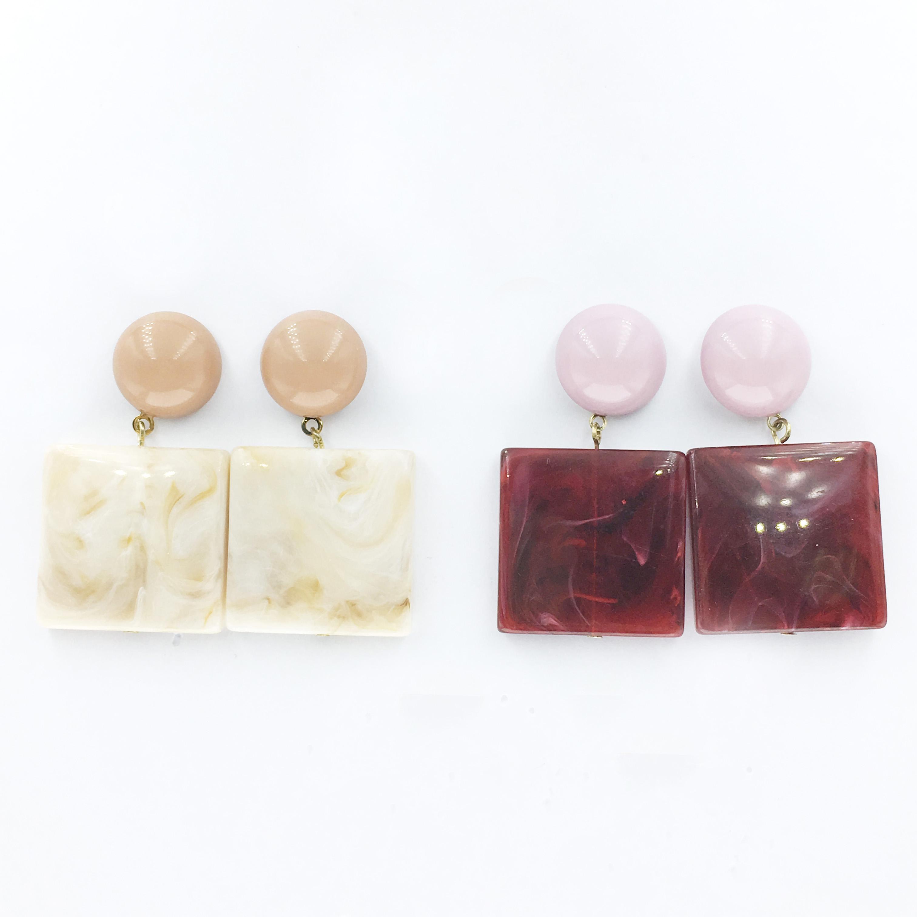 韓國 珍珠 大理石 方形 兩色 垂墜感 耳針式耳環