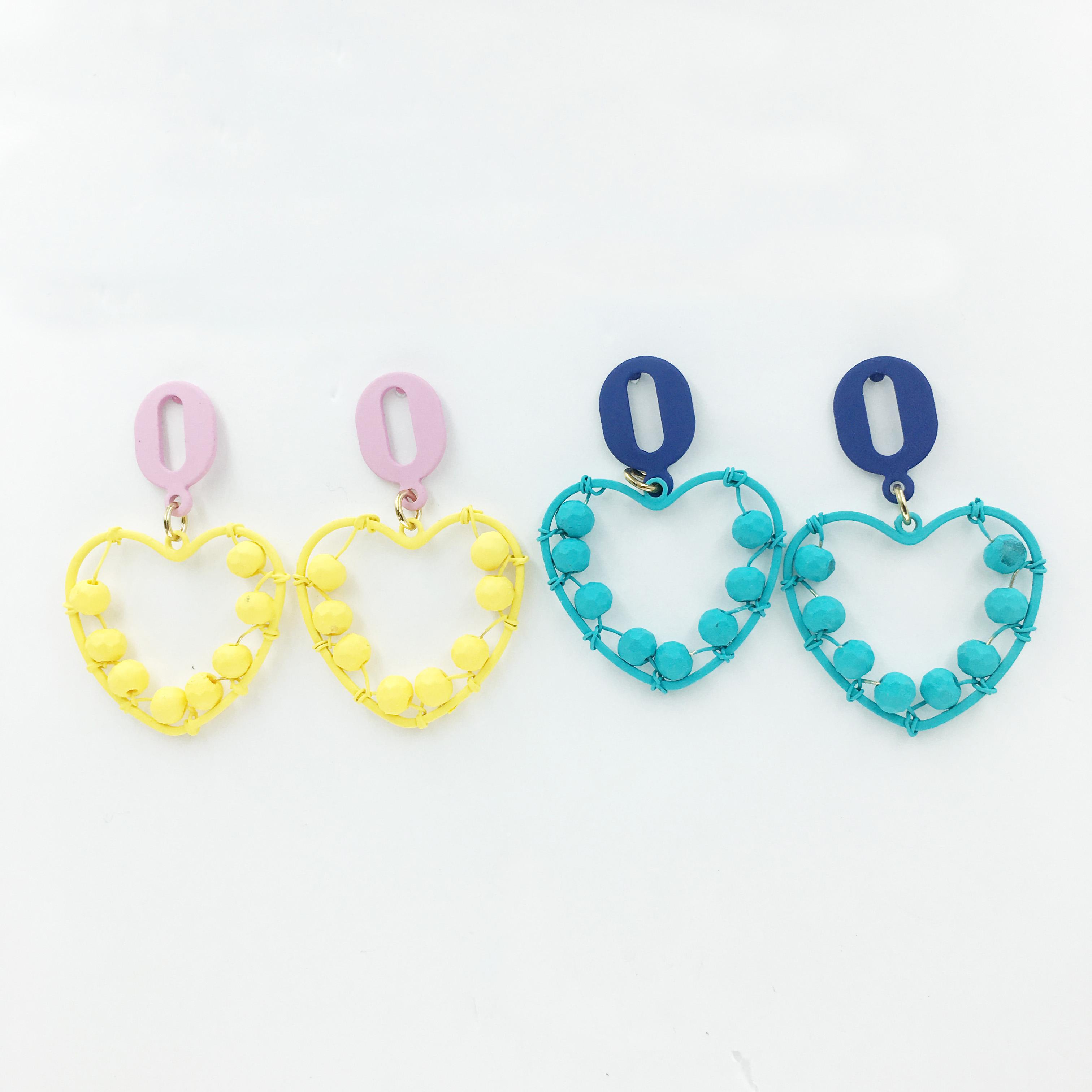 韓國 愛心 繽紛 可愛 珠珠 兩色 垂墜感 耳針式耳環