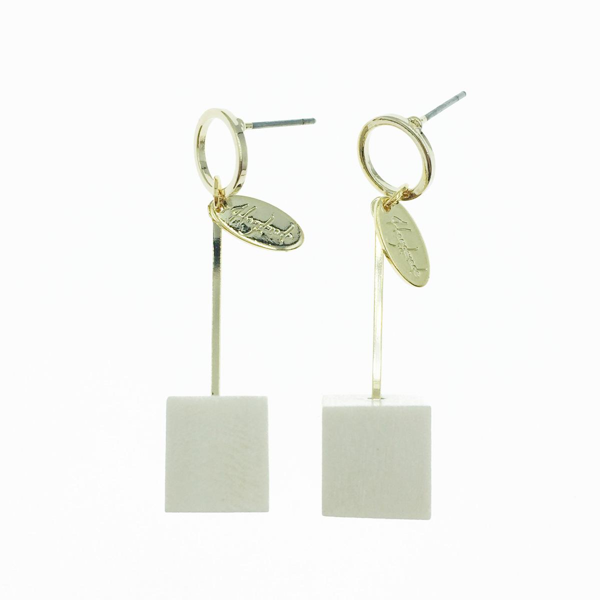 韓國 金吊牌 立體方塊 垂墜感 耳針式耳環