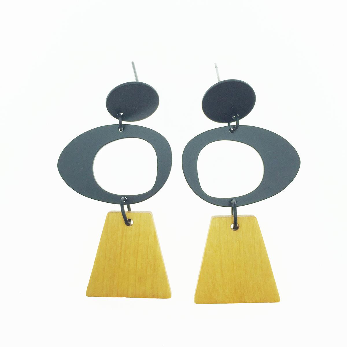 韓國 簍空圓 梯形 木頭 垂墜感 耳針式耳環