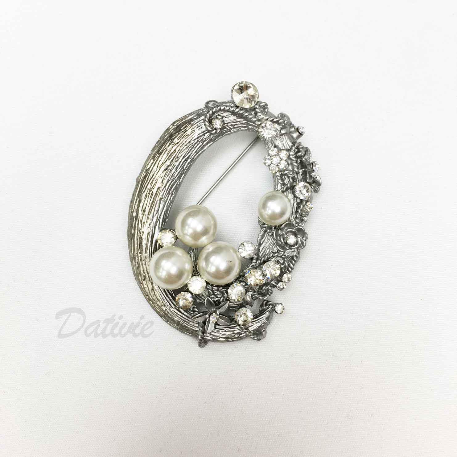 花環圓圈 不對稱 小花朵 珍珠 水鑽 造型 單個 胸針