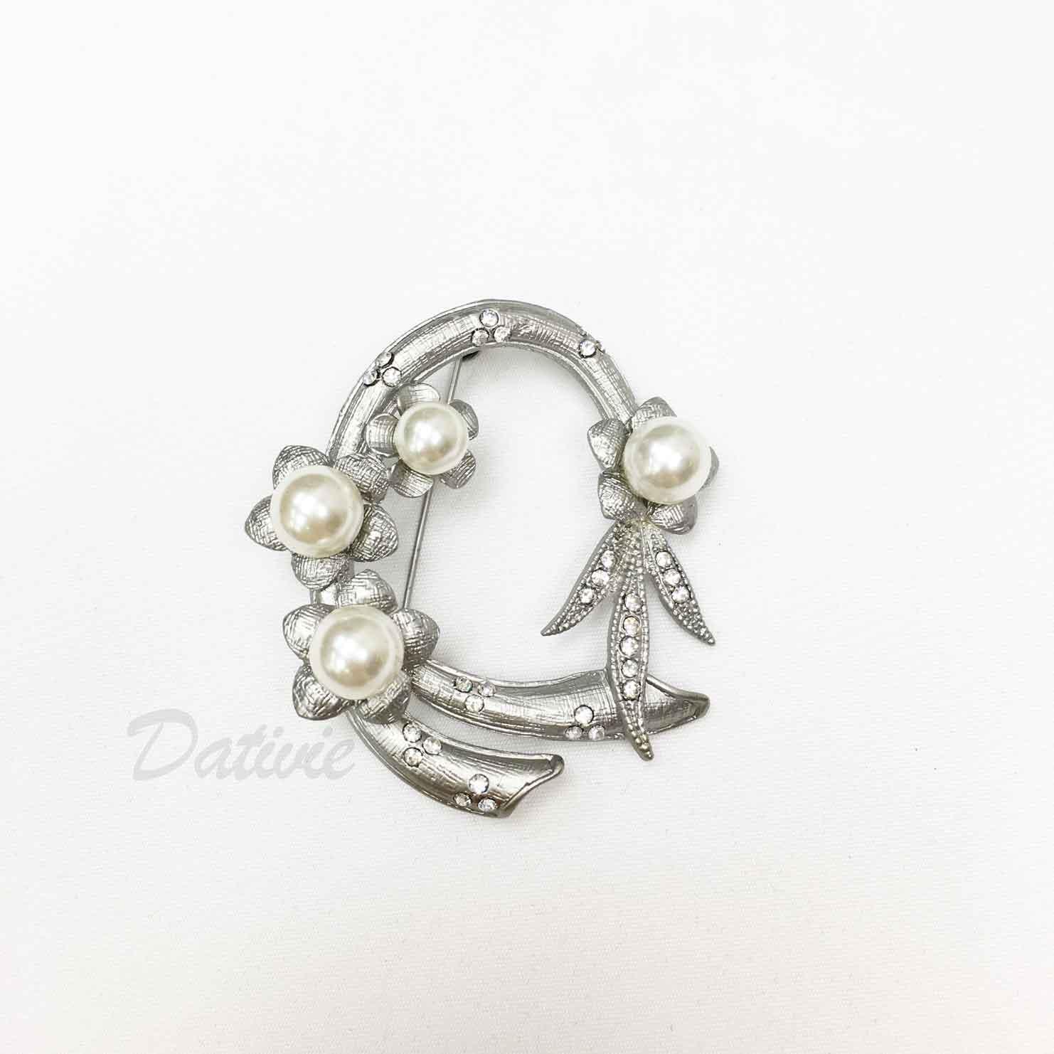 花環 圓圈 珍珠 緞帶花紋 霧銀色 單個 胸針