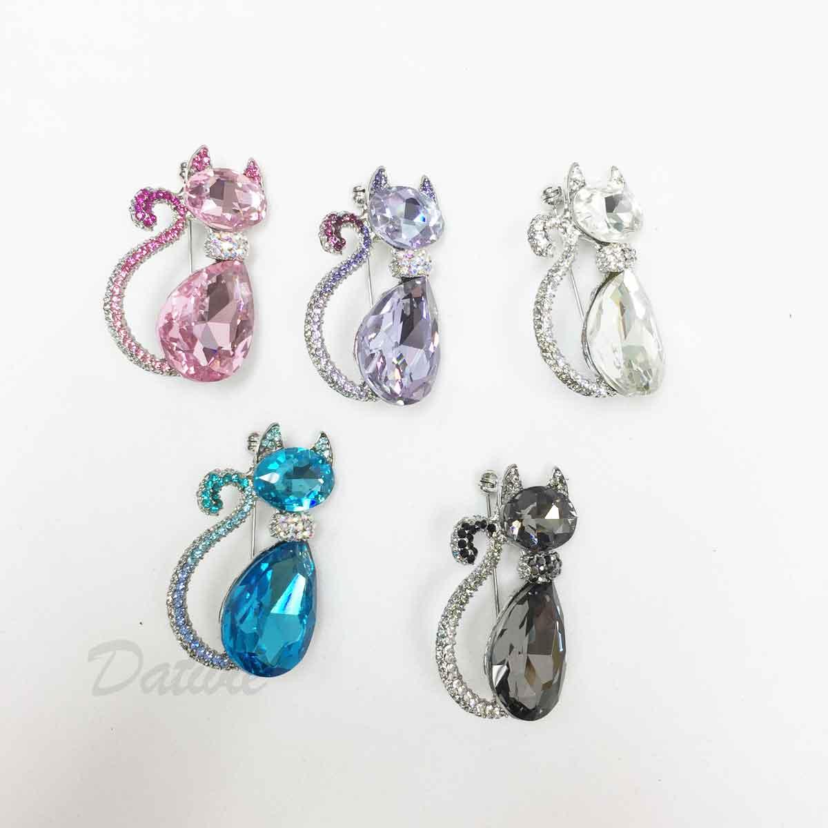 貓咪 可愛 動物造型 粉 紫 藍 白 黑 彩色水鑽 五色 單個 胸針