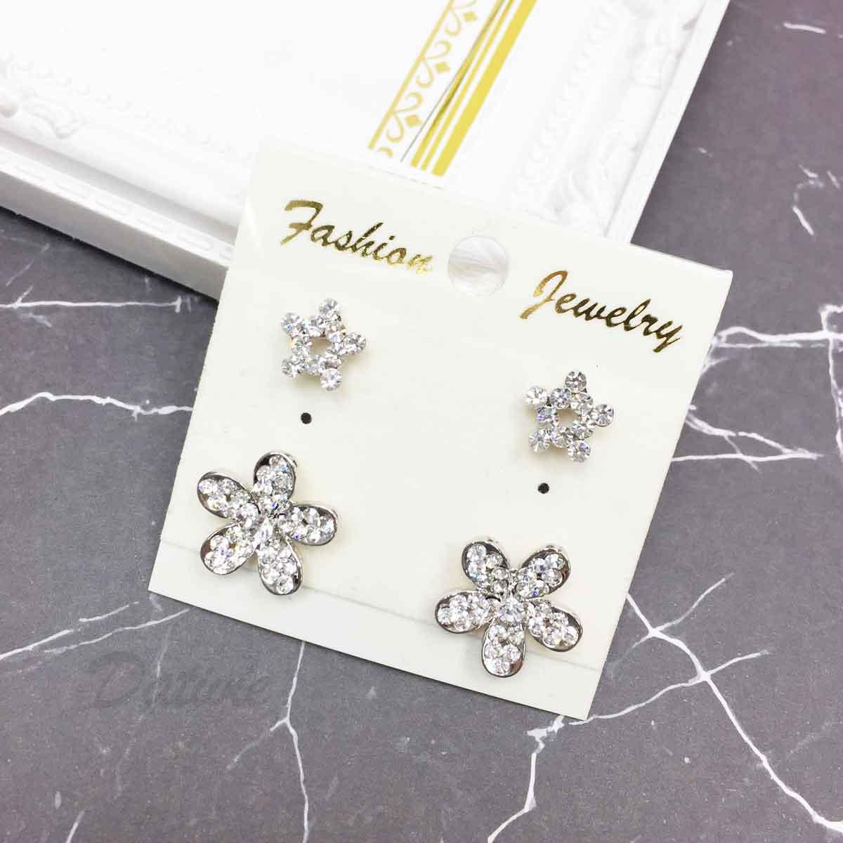 花朵 星星 水鑽 白鑽 耳針式 一卡四入 一卡多入耳環