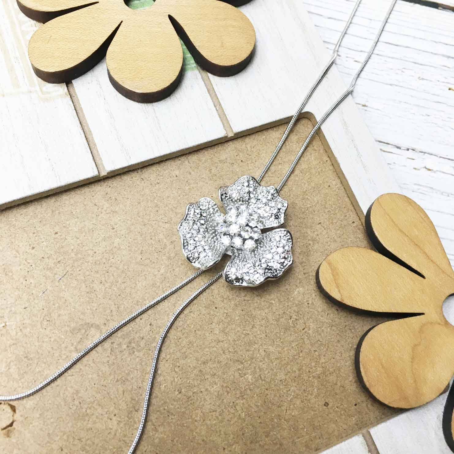 花朵 葉子 水鑽 白鑽 飾品可調 伸縮項鍊