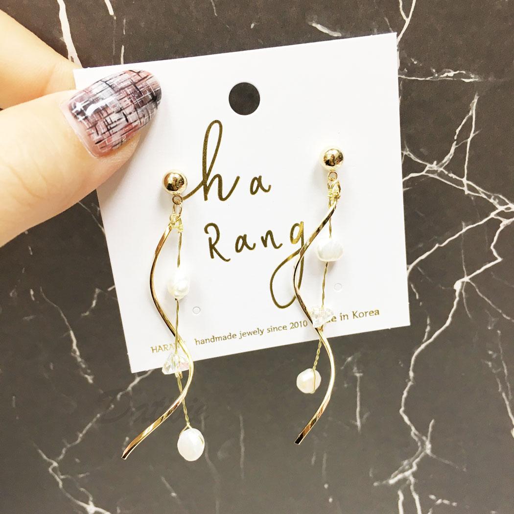 韓國 天然珠 水鑽 彎曲線條感 垂墜感 耳針式 耳環