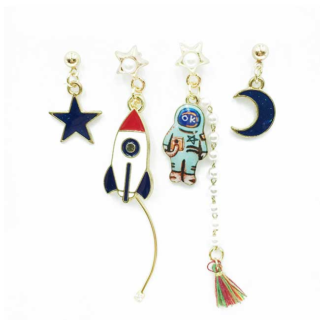韓國 太空人 火箭 珍珠水鑽 星星月亮 四入組 垂墜感 耳針式耳環
