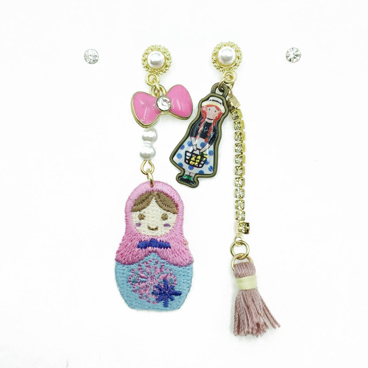 韓國 俄羅斯娃娃 蝴蝶結水鑽 珍珠流蘇 四入 垂墜感 耳針式耳環
