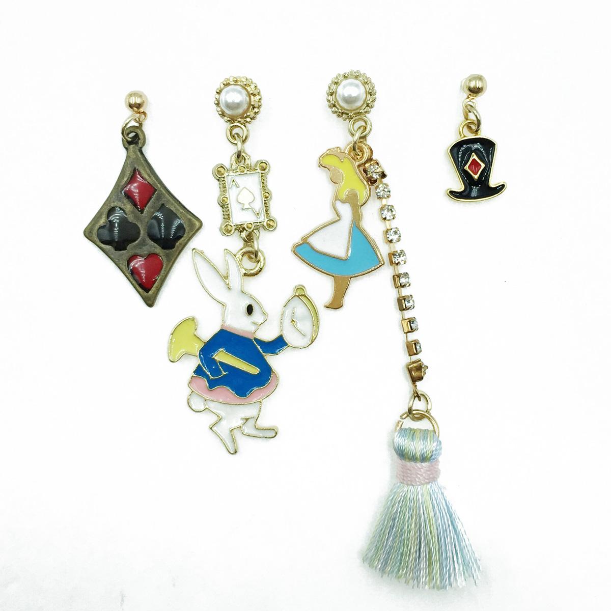 韓國 愛麗絲 兔子 撲克牌 水鑽流蘇 珍珠 四入 垂墜感 耳針式耳環