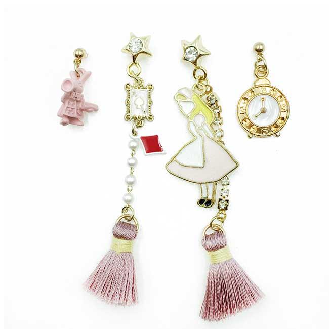 韓國 愛麗絲 懷錶黑桃A 水鑽珍珠 星星 四入 垂墜感 耳針式耳環