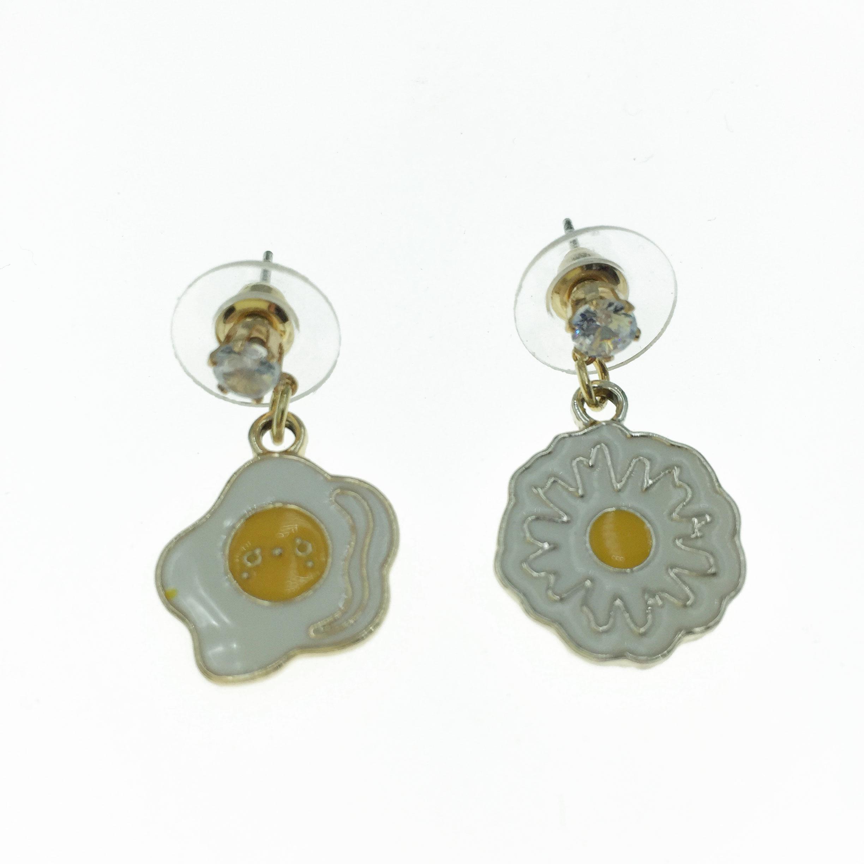 925純銀 水鑽 荷包蛋  造型 不對稱 耳針式耳環