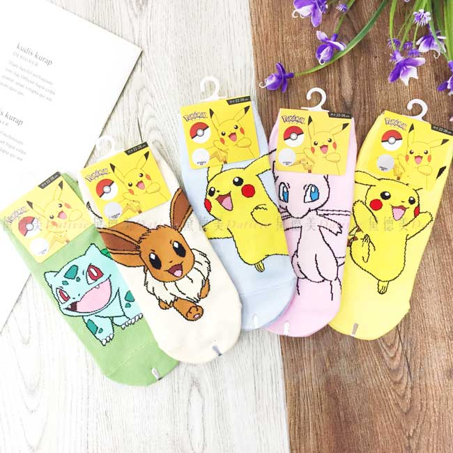 直版襪 神奇寶貝 寶可夢 妙蛙種子 伊布 皮卡丘 夢幻 共5款 22~26cm 襪子 正版授權