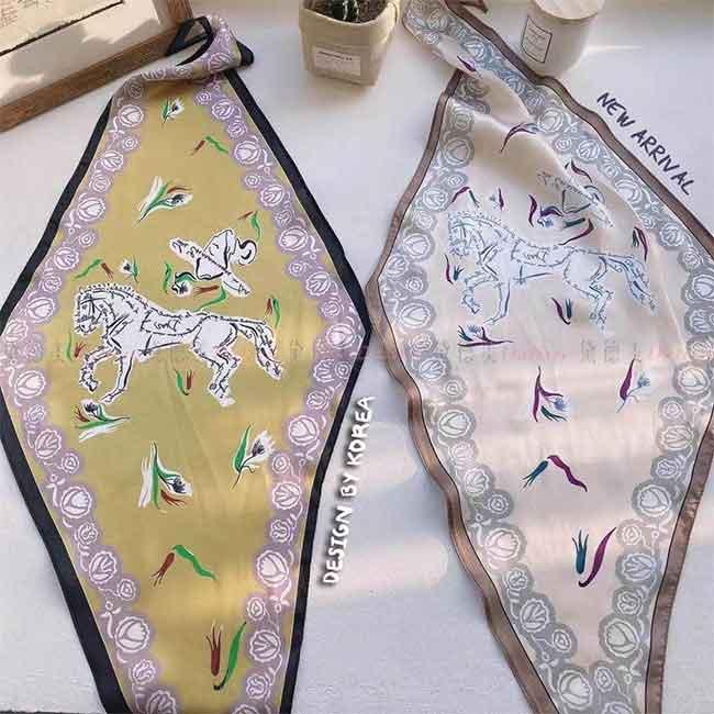 薄圍巾 薄絲巾 馬 玫瑰花 輪廓 英文字 優雅 文藝 古典 柔軟 親膚 兩款