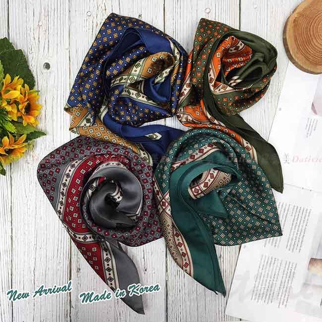 絲巾 韓國 方巾 四色 圖騰 領巾